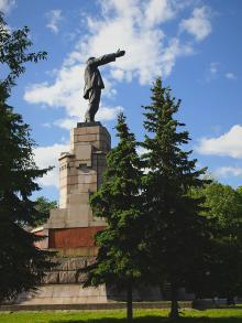 Ленин в Кастроме. А где же приемная г. Путина?